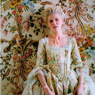 Фото №25 - Французский шик: как одеться в стиле современной Марии-Антуанетты