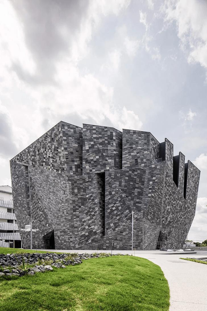 Фото №3 - Музей по проекту Кенго Кумы в Японии