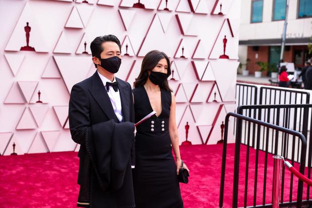 Фото №1 - «Такой тяжелый и холодный»: кто получил «Оскар» в 2021 году