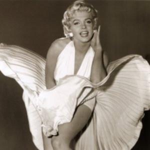 Фото №1 - Платья Мерилин Монро впервые показаны публике