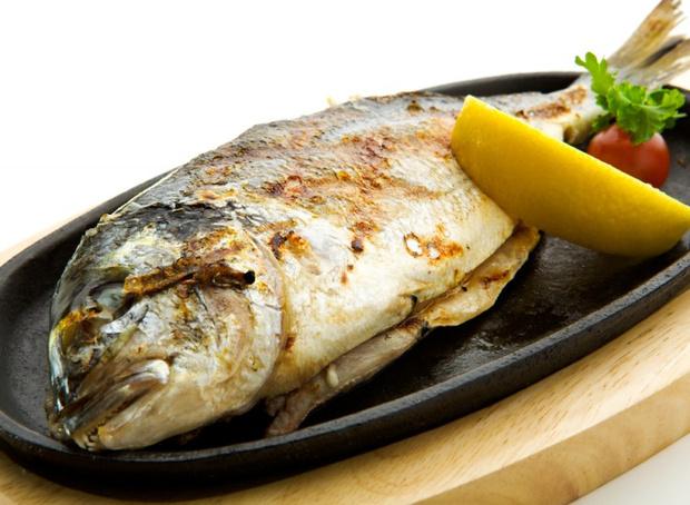 Как тушить диетическую рыбу