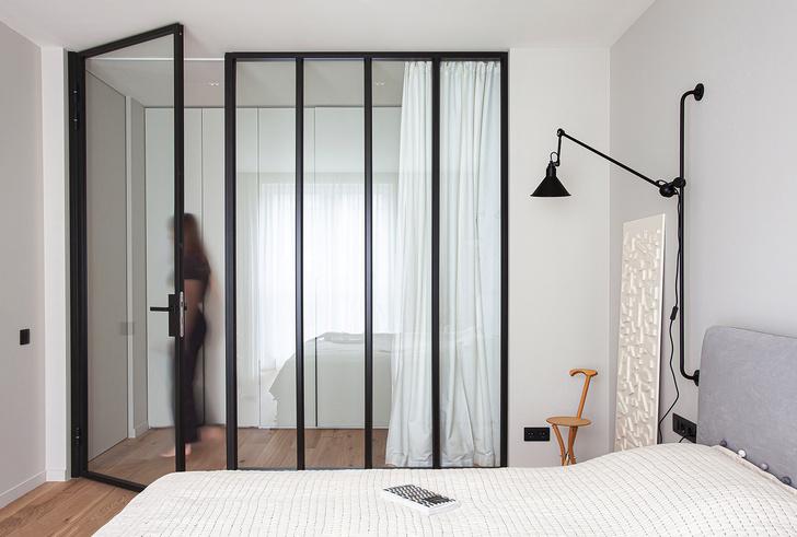 Спальня. Кровать, Desiree. Все двери и перегородки в проекте, Artelle, Россия, студия Select Store.
