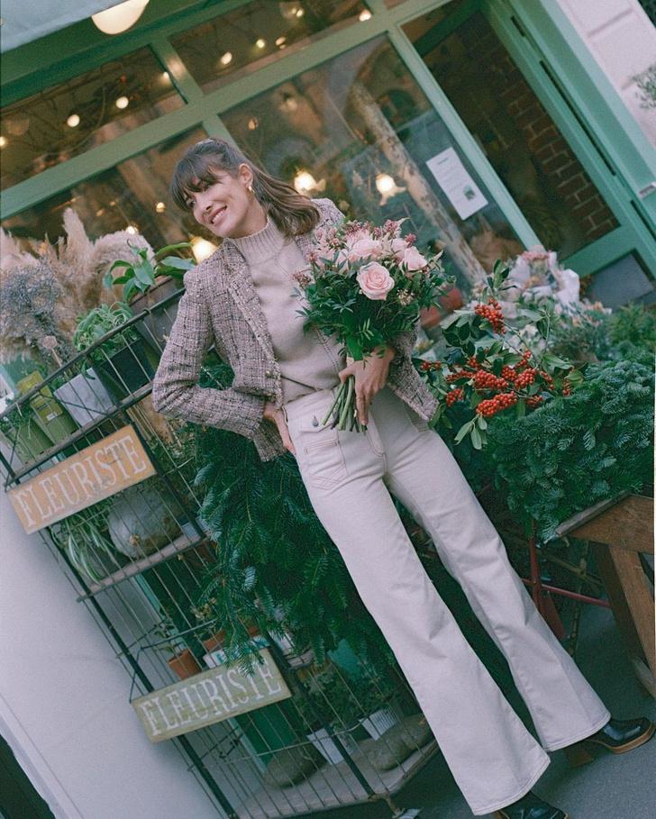 Фото №2 - В зимнем сезоне нам всем нужны классические джинсы цвета экрю, как у француженки Жюли Феррери