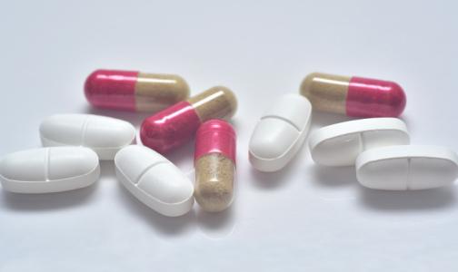 Фото №1 - Бесплатные лекарства пациентам с коронавирусом начали раздавать во всех районах Петербурга