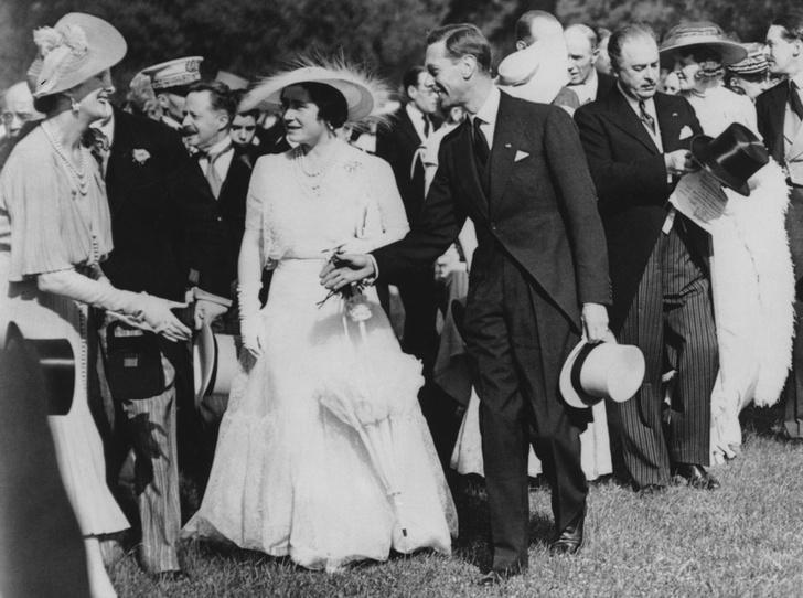 Фото №4 - Дизайнер Елизаветы II: как Норман Хартнелл установил правила королевского стиля