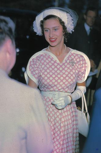 Фото №2 - Стиль принцессы Маргарет: главные модные уроки от сестры Елизаветы II