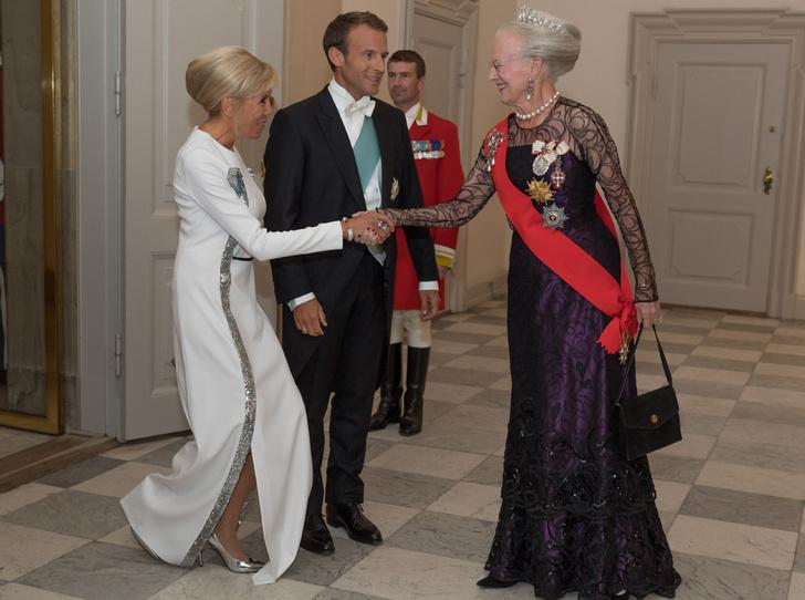 Фото №5 - Королевский статус Эммануэля (и Брижит) Макрон