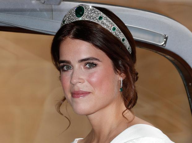 Фото №19 - Настоящая принцесса: свадебный образ Евгении Йоркской