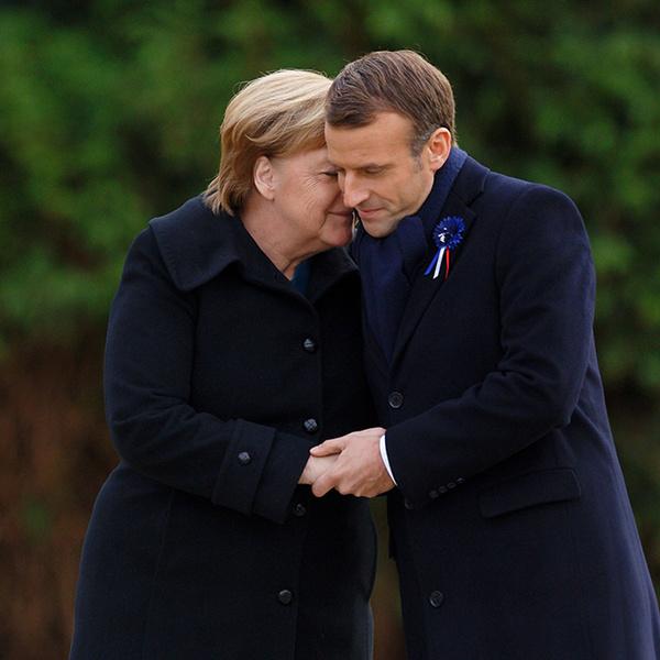 Фото №5 - Как политики и принцы диктуют нам новые правила публичного проявления любви