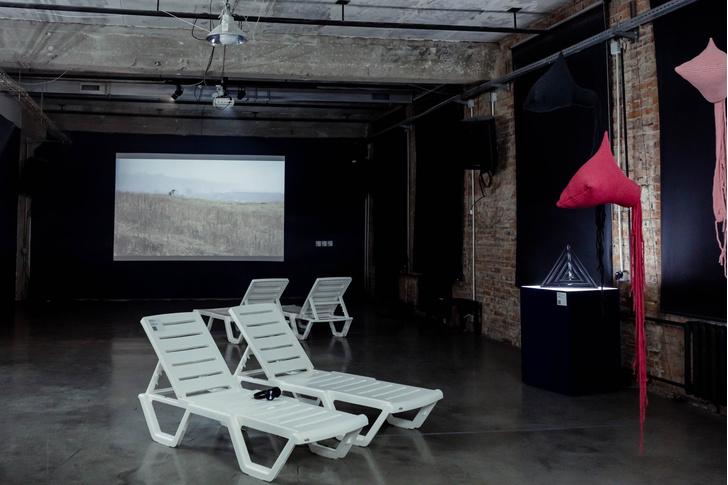 Фото №1 - Ретроспективная выставка в Центре современного искусства «Заря»