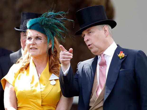 Фото №2 - Мыло, чай и украшения: как Сара Фергюсон планирует заработать на королевской семье