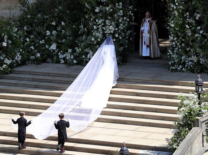 Фото №2 - От Одри Хепберн до Меган Маркл: знаменитые невесты в платьях Givenchy