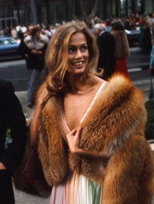 Фото №2 - Девушка 70-х: как попасть в новый бьюти-тренд