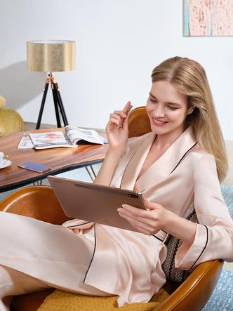 Фото №3 - «Выходи за рамки возможного»: Наталья Водянова стала новым амбассадором бренда Samsung Россия