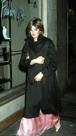 Фото №6 - Первые модные победы: лучшие образы Дианы до брака с принцем