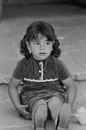 Фото №2 - Последняя императрица Ирана: «Они говорили, если я убью мужа, то смогу вернуться домой»