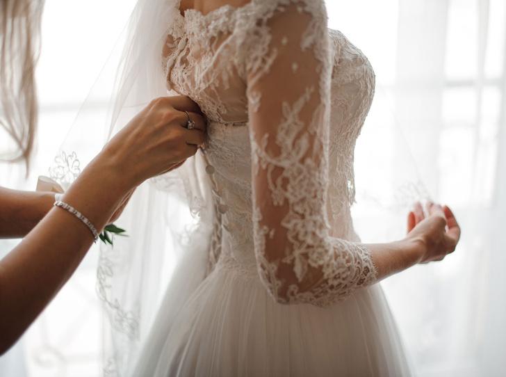 Фото №1 - Как подобрать свадебное платье: 7 советов невестам