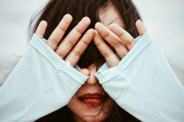 Фото №3 - 6 дурацких привычек, которые подрывают уверенность в себе
