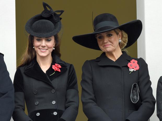 Фото №8 - Было/стало: как дизайнеры перешивают свои наряды ради Кейт Миддлтон