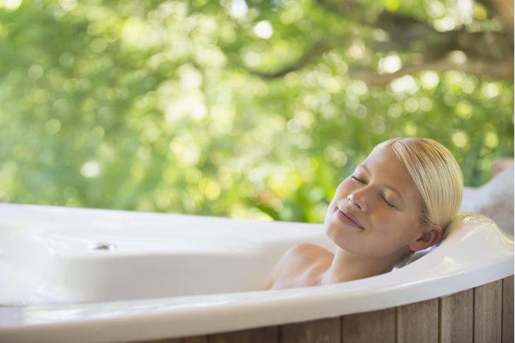 Фото №1 - Медики рассказали о пользе горячих ванн