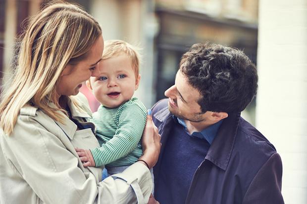 Фото №1 - Первый год малыша: инструкция для родителей