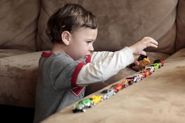 Фото №2 - Аутизм у ребенка: причины и основные признаки