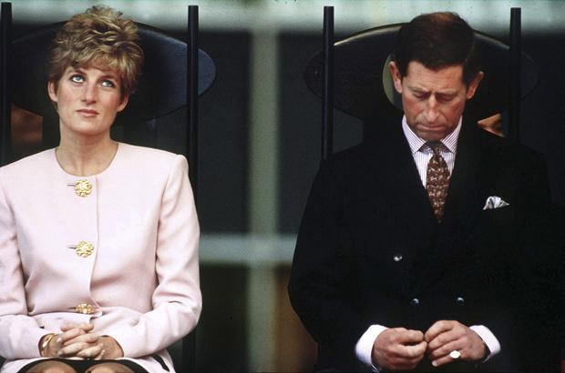 Фото №1 - Что заставило принцессу Диану окончательно разочароваться в принце Чарльзе после рождения Гарри