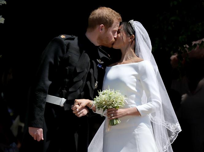 Фото №2 - Как принцесса Диана «присутствовала» в каждой детали свадебной церемонии Гарри и Меган