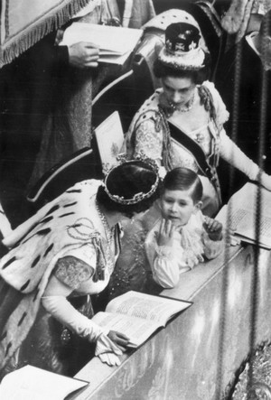 Фото №8 - Почему Королева не хотела, чтобы ее коронацию показывали по телевидению