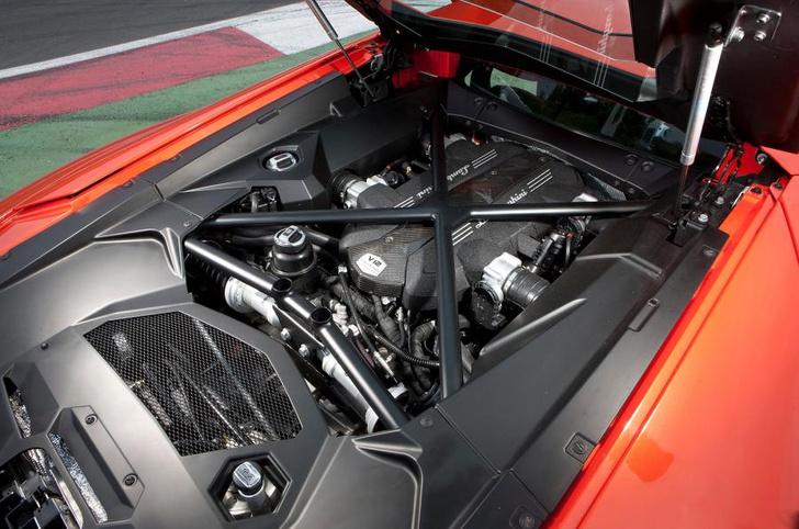 Фото №3 - Lamborghini отзывает 27 гиперкаров в России