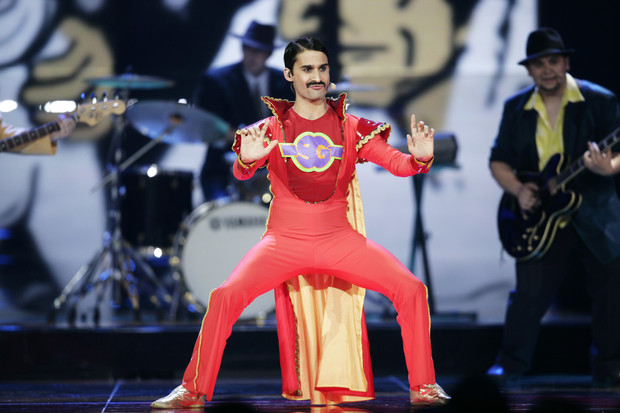 Фото №6 - 10 нелепых нарядов участников «Евровидения»