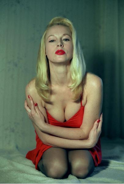 Фото №12 - Популярные актрисы 1990-х: в каких фильмах прогремели, за что полюбились и как расплатились за славу