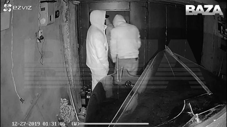 Фото №2 - BAZA: В Москве из гаража украли лимузин Сталина (фото)