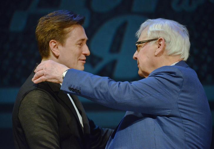 Фото №2 - «Сколько разрушенных судеб»: Бондарчук и Безруков обсудили скандал Прокловой
