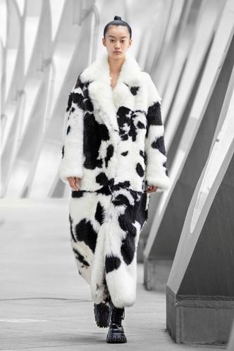 Фото №85 - Полный гид по самой модной верхней одежде на осень и зиму 2021/22