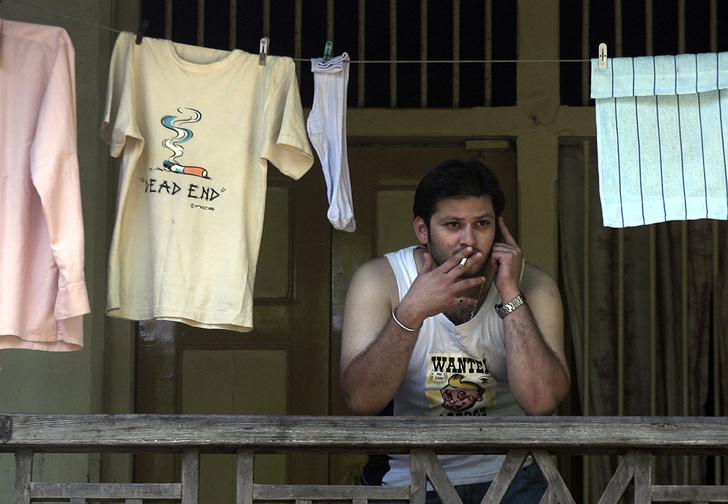 Фото №1 - Правительство запретило россиянам курить на балконах и жарить там шашлыки