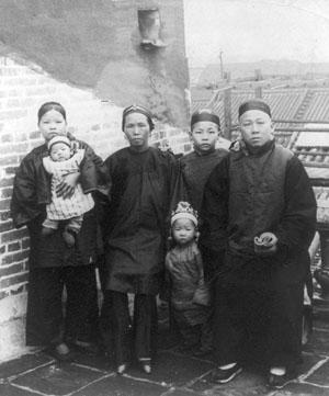 Фото №2 - Яшмовый император против Запада