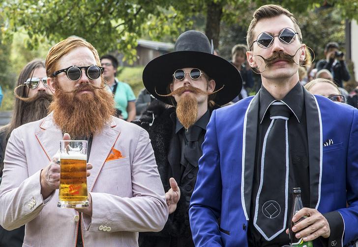 Фото №1 - Какие мужчины нравятся россиянкам— бритые, бородатые или с усами (результаты опроса)