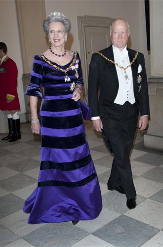 Фото №2 - Принцесса Дании рассказала о правильном королевском гардеробе (и намекнула на неудачный)