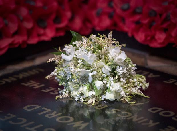 Фото №3 - Как принцесса Диана «присутствовала» в каждой детали свадебной церемонии Гарри и Меган