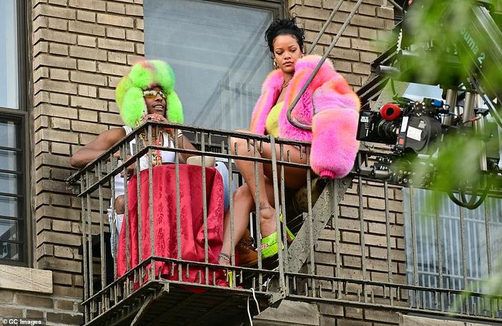 Фото №2 - Если вы не знаете, как удивить своего партнера, устройте ему свидание на балконе, как это сделал ASAP Rocky для Рианны