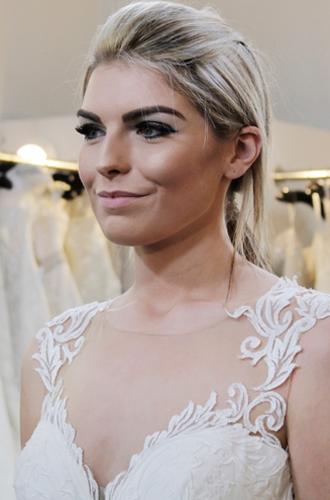 Фото №12 - Мода на белое: история традиционного наряда невесты