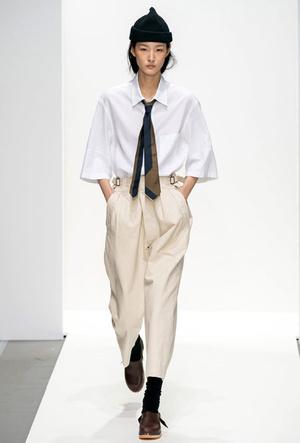 Фото №11 - Как стильно носить галстуки: советы дизайнеров и главных модниц