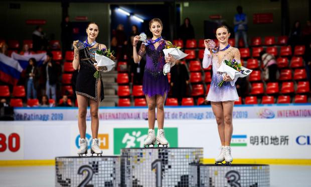 Фото №1 - Гран-конфуз: золотой медалью российской фигуристки на этапе Гран-при наградили американку (видео)