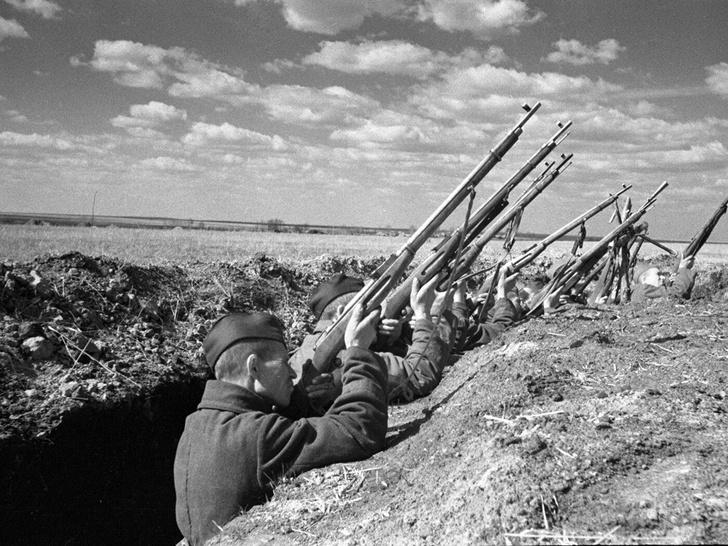 Фото №4 - Подвиг Василия Теркина— реально ли из винтовки сбить самолет