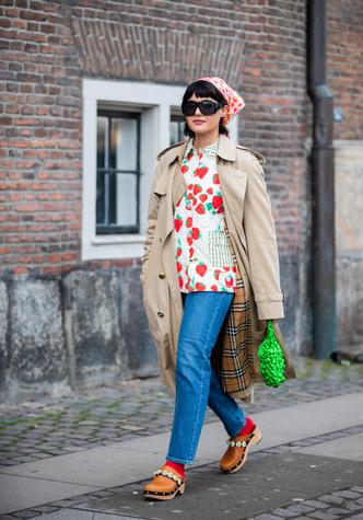 Фото №4 - Самая «уродливая» летняя обувь: как клоги вновь стали трендом