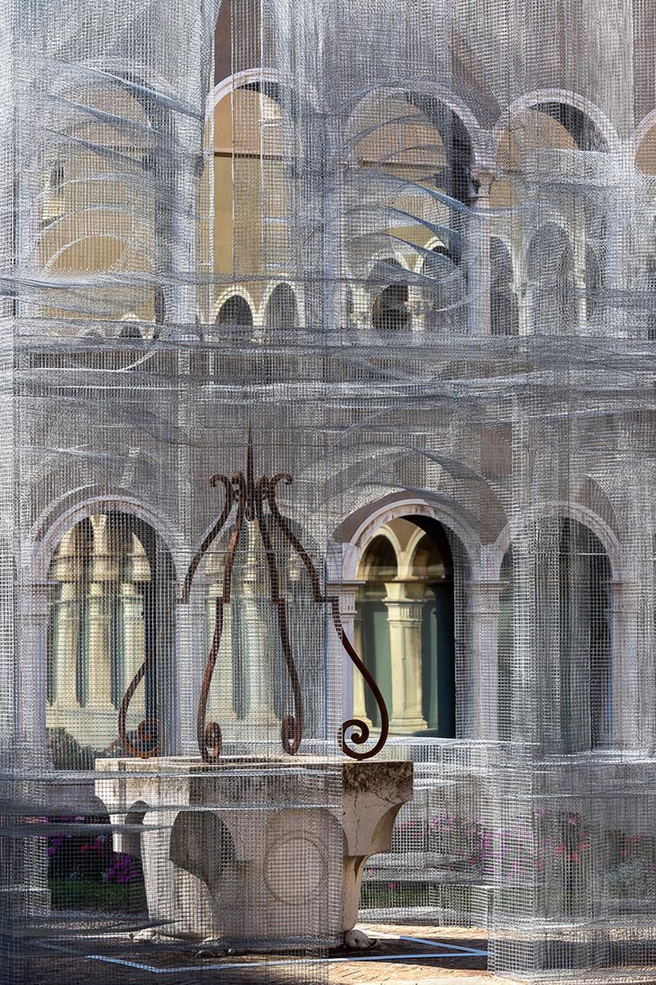 Фото №5 - Эфемерная инсталляция из проволочной сетки в Равенне
