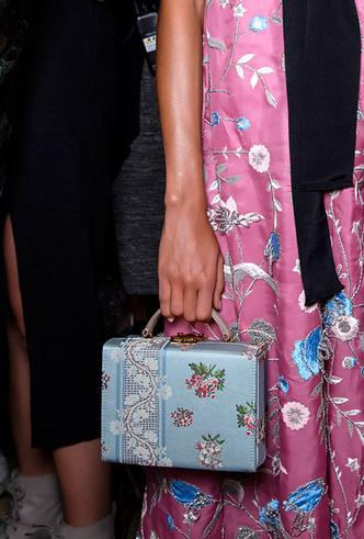 Фото №6 - Самые модные сумки весны и лета 2020