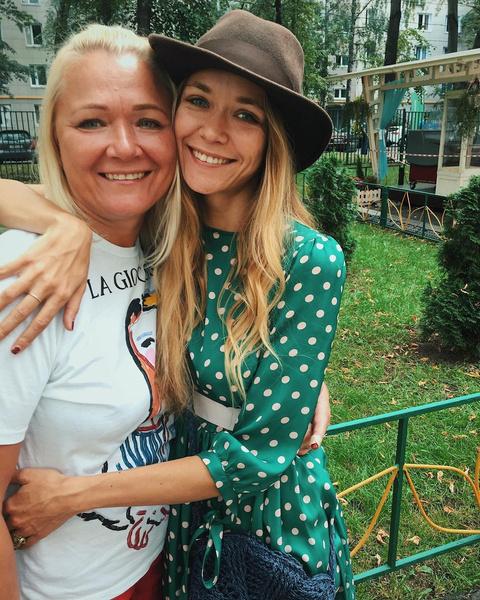 Фото №1 - Леди-босс мира подгузников и мать звезды: что мы знаем о новой супруге Андрея Норкина
