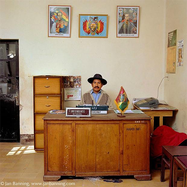 Фото №8 - Проходите, садитесь: кабинеты чиновников и служащих в разных странах